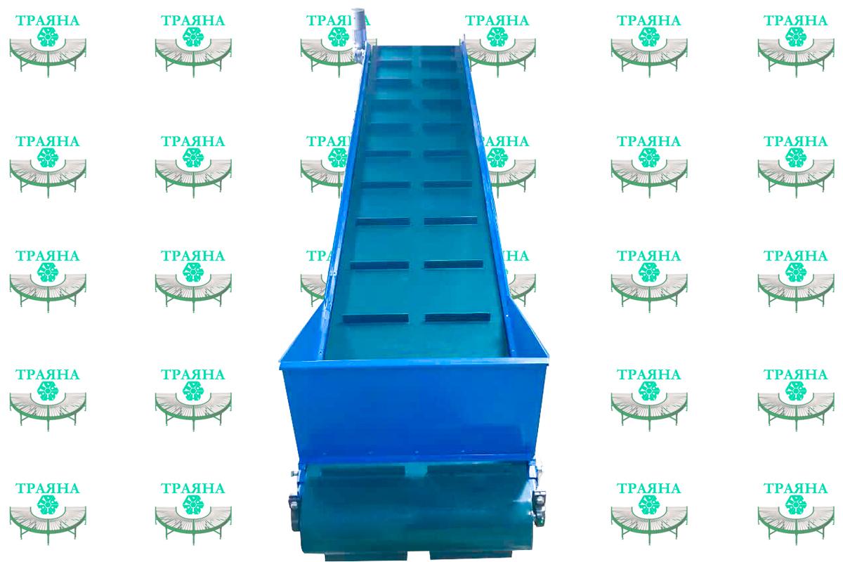 Наклонный конвейер для переработки пластмассы